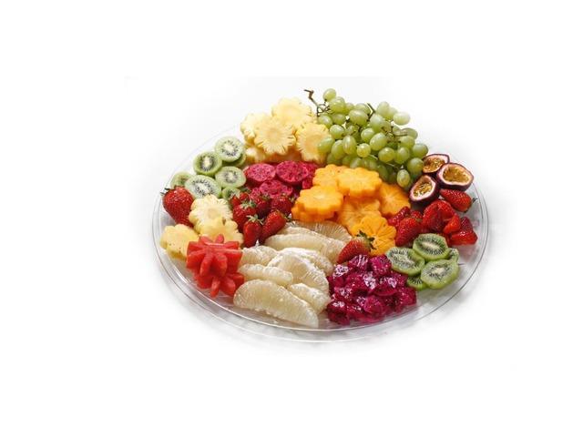 פירות by צדוק בושרי