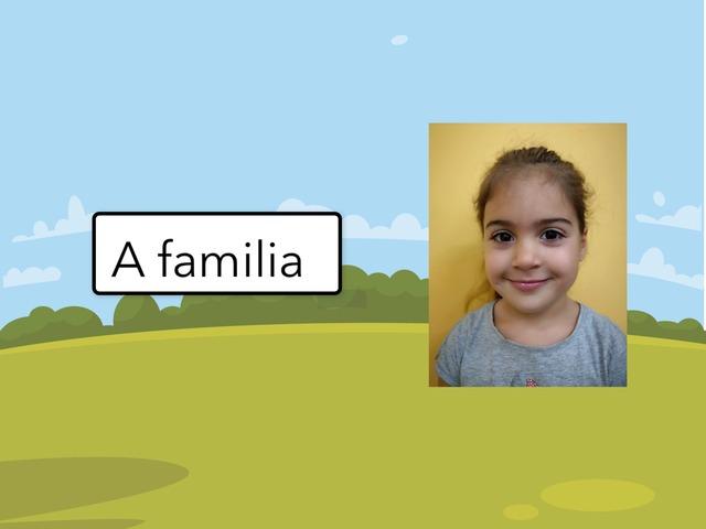 A Familia by Montse Martínez Isla