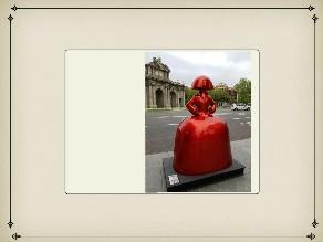 Menina Roja puerta de Alcala by Lola Fuentes Casado