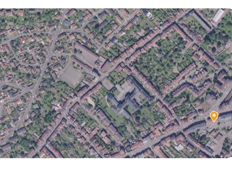 Cherche et trouve sur une photographie aérienne by Marie-Pierre Lecomte