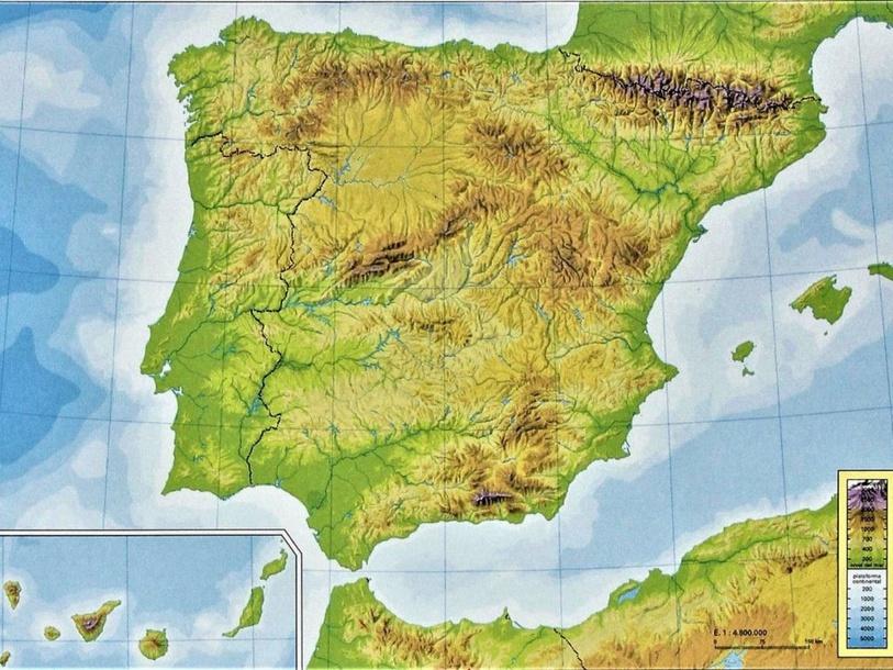 Relieve de España  by Daniel Arribas Guisández