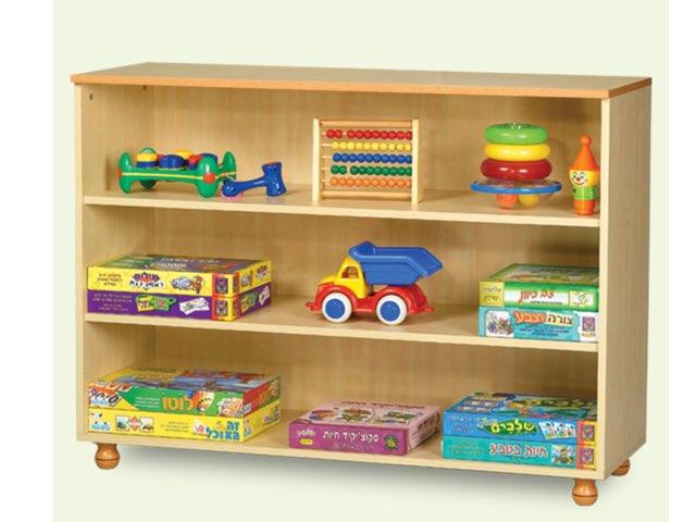 כוננית הצעצועים by Moran noy