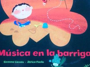 Música en la barriga by Julia Trigos Hebrero