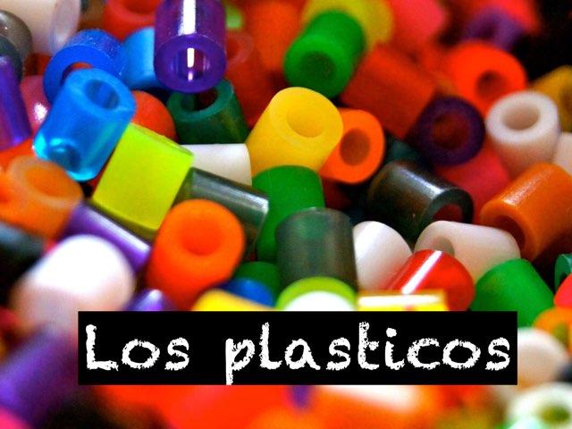 LOS PLÀSTICOS by Rebeca lana